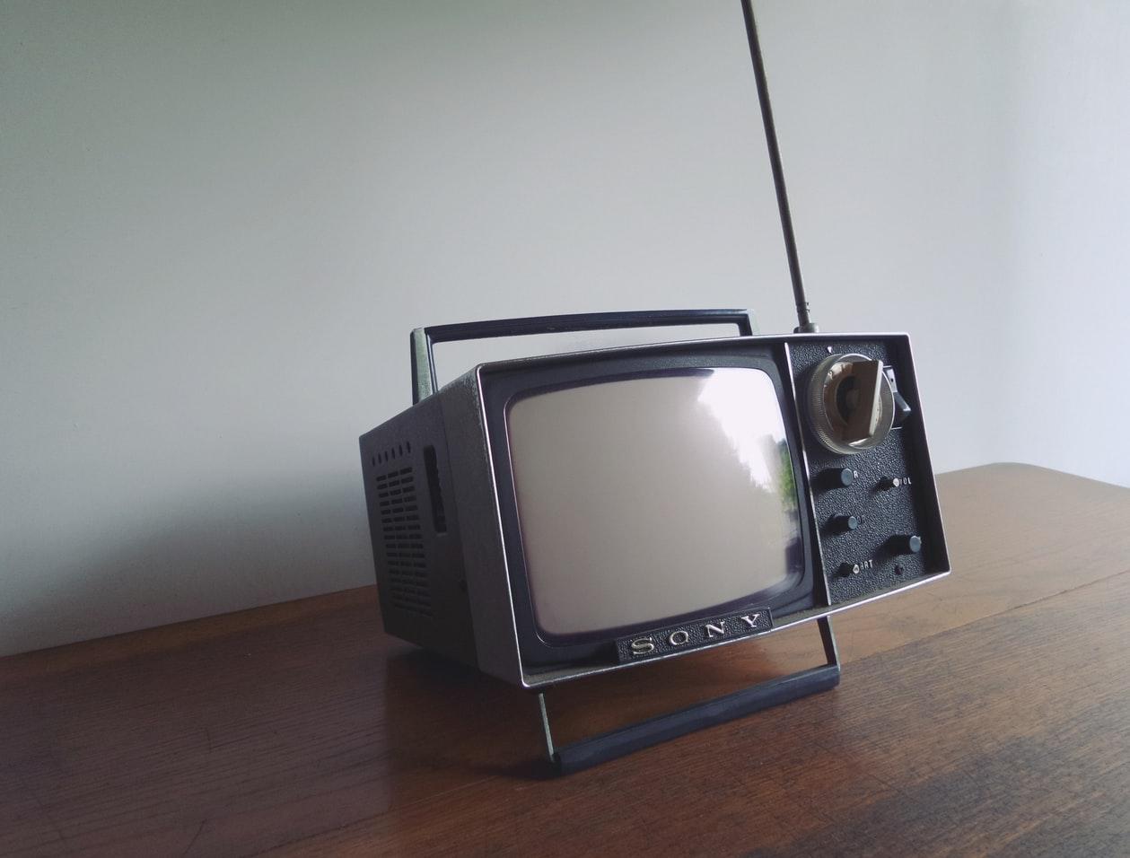 Ruime Tv Kast.Kijk Tv Zonder Tv Meubel Wonenmetstijl Nl Lees De Laatste